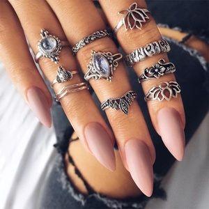 Jewelry - QUEEN ♡ Bohemian Midi Rings Set